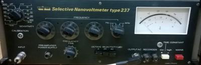 Unipan 237 . Нановольтметр селективный.
